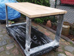 stół loftowy z dębowych desek