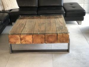 stolik ze starego drewna