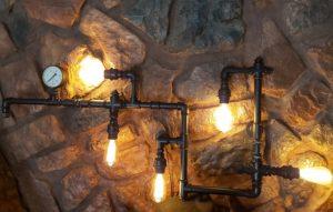 lampa z rur hydraulicznych sufitowa